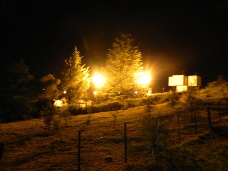 Alojamiento Cabañas Alpa Corral Los Alcornoques vista nocturna
