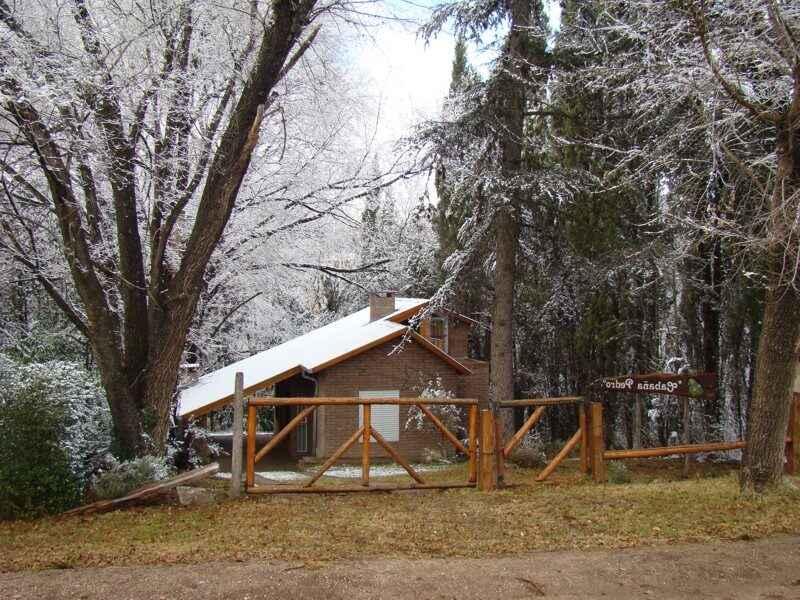 Alpa Corral Pedro cabañas vista invernal