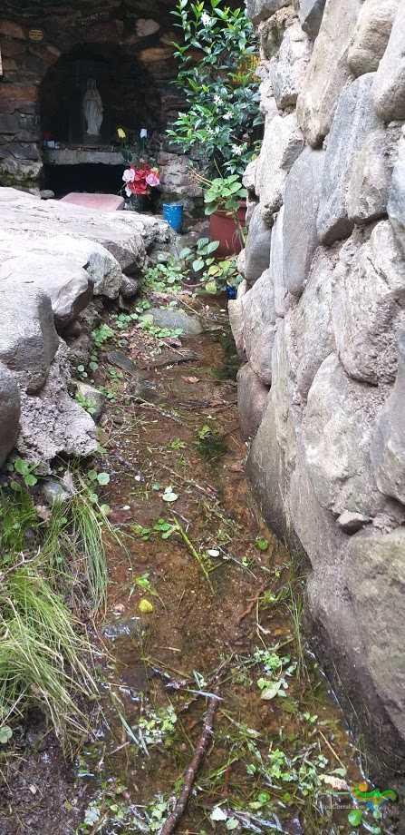 Virgen de Lourdes Alpa Corral gruta y vertiente
