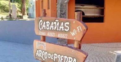 cabanas arco de piedra alpa corral cartel