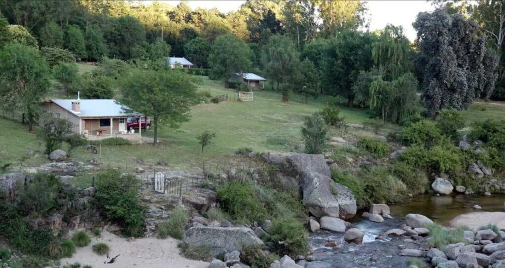 cabanas el talita alpa corral el puesto impresionante vista al rio talita