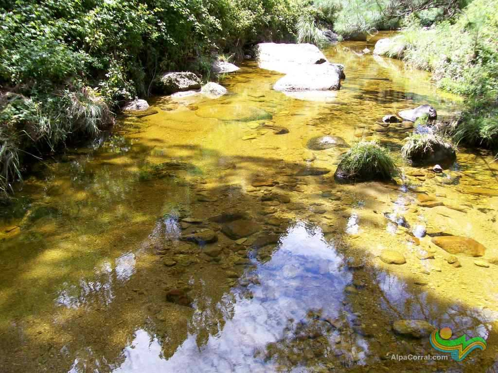 Alpa Corral Cordoba Argentina Aguas Cristalinas arroyo del Talita