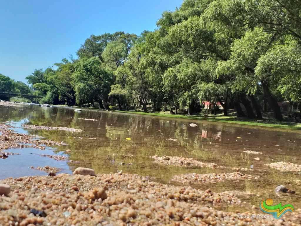Alpa Corral Cordoba Argentina Aguas Cristalinas playas frente al pueblo