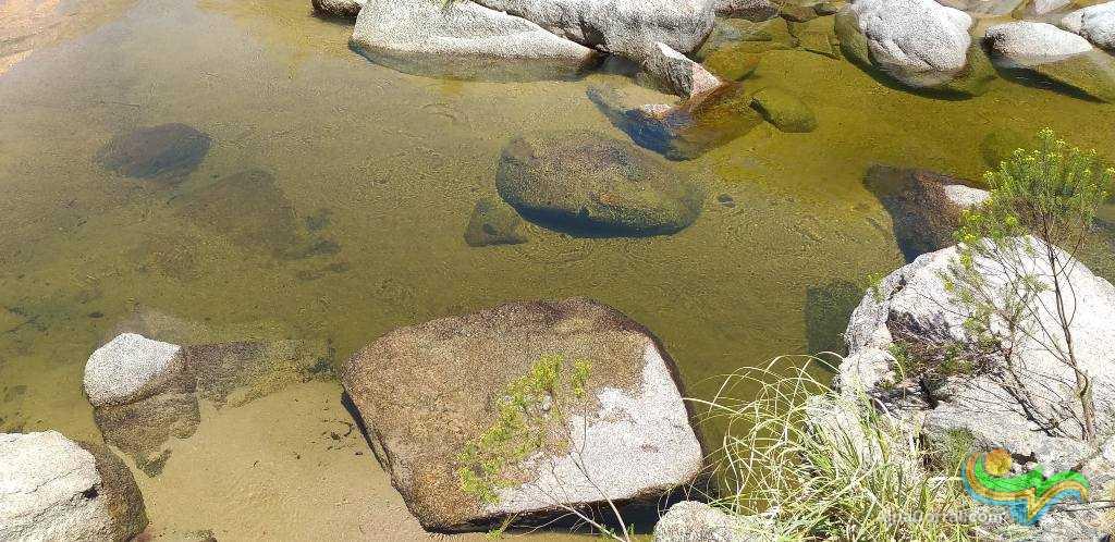 Alpa Corral Cordoba Argentina Aguas Cristalinas rio Talita y sus caracteristicas piedras